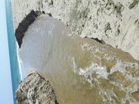 снимка 3 Багер руши пясъчните дюни на плаж Балтата