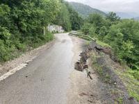снимка 7 Опасен участък по пътя към село Желен