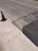 снимка 2 Дупки и липса на табели при ремонт на пътя в Искърското дефиле