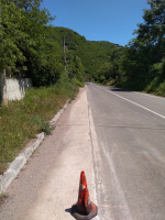 снимка 4 Дупки и липса на табели при ремонт на пътя в Искърското дефиле