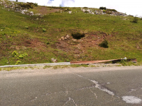 снимка 1 Аварийно състояние на пътни съоръжения в прохода Троян-Кърнаре
