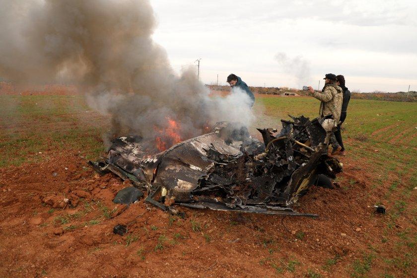 правителствен самолет сирия свален провинция идлиб