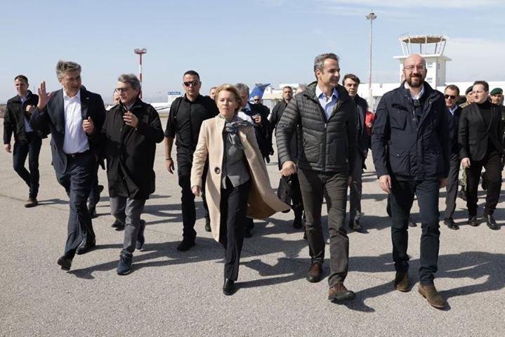 лидерите мицотакис оглеждат границата гърция турция хеликоптер
