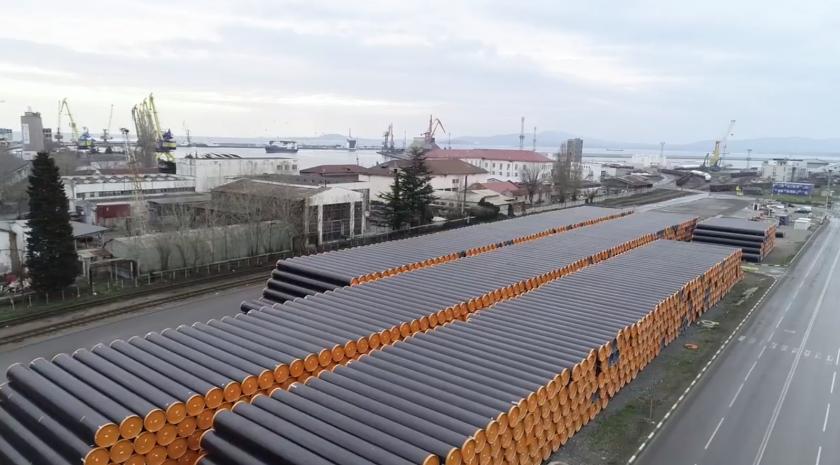 борисов пристанище bdquoбургасldquo ежедневно пристигат стоманени тръби балкански поток