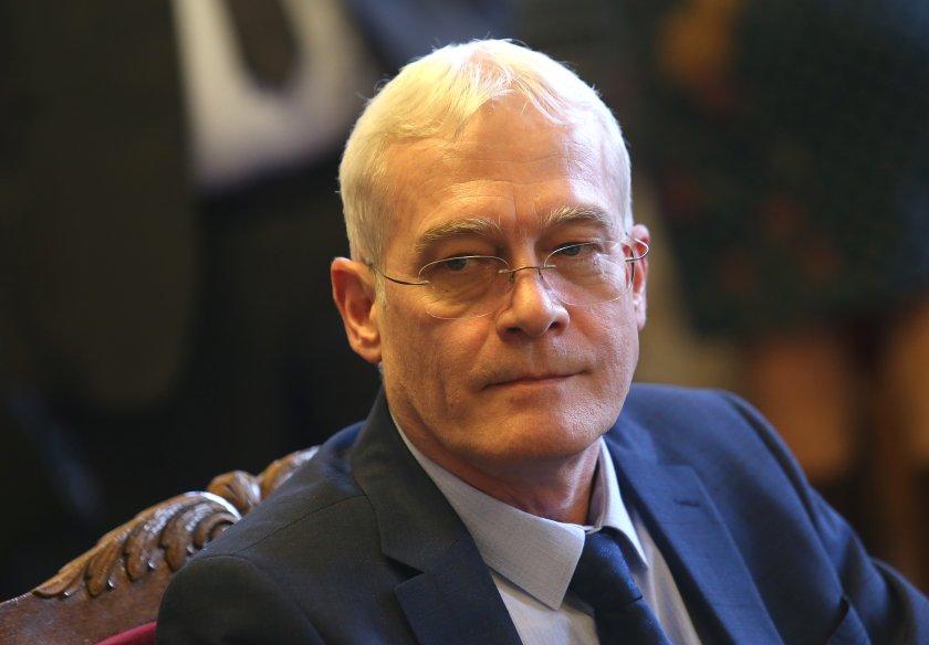 НС избра проф. Петко Салчев за управител на Здравната каса