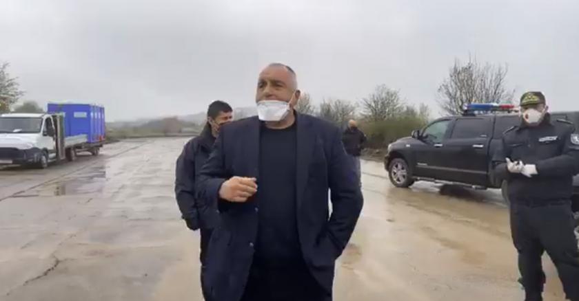 премиерът борисов посети летище узунджово заради блокираните камиони границата