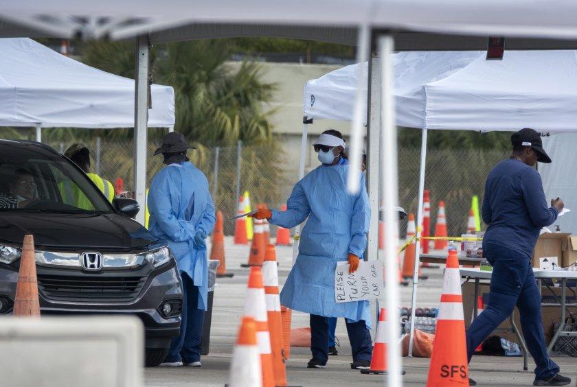 губернаторът флорида наложи пълна блокада щата