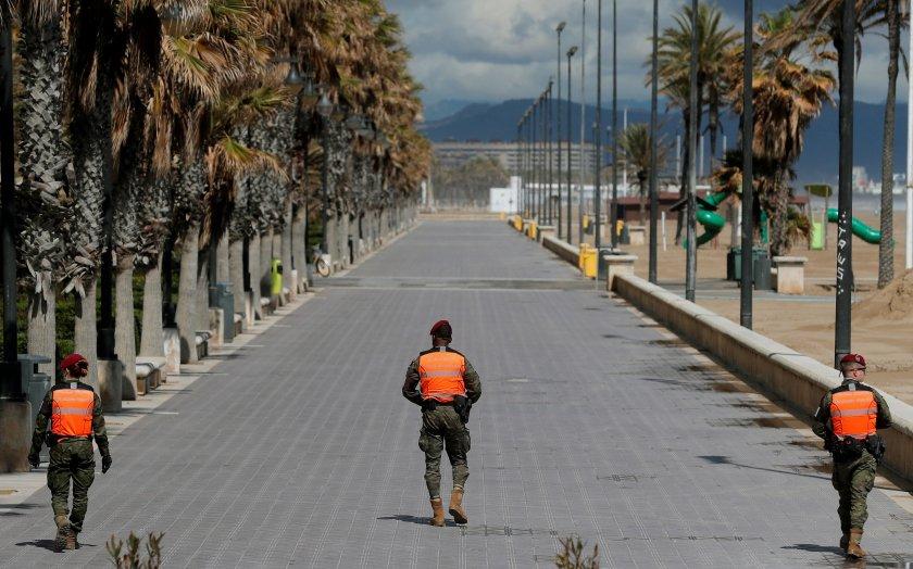 900 000 души останаха без работа испания заради коронавируса