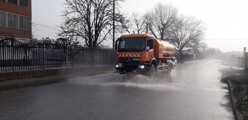 дезинфекцират улиците пловдив разчистват незаконни сметища столипиново