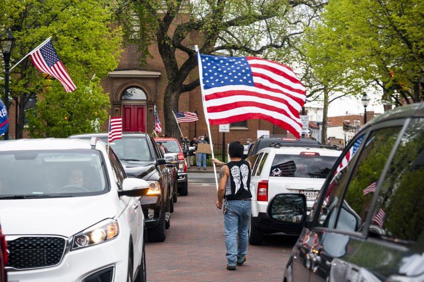Масови протести в САЩ заради мерките срещу COVID-19 - По света и у ...
