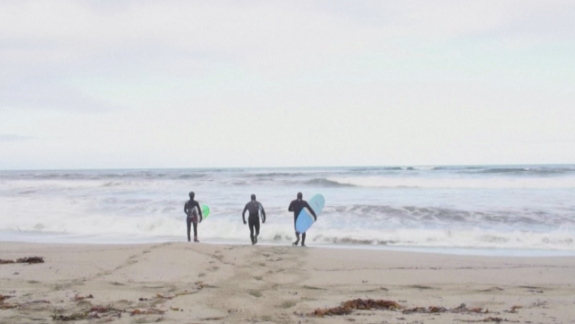 Норвегия разхлаби мерките - жители се отдадоха на арктически сърф