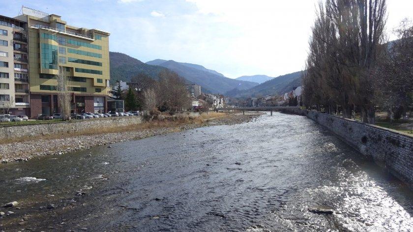 повдигнаха обвинение директора bdquoлъки инвестldquo замърсяването реките юговска чепеларска
