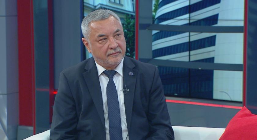 Валери Симеонов: Най-големият обществен дарител е Народното събрание