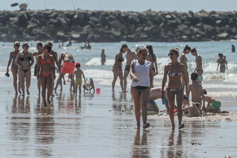 плажовете европа отново изпълват хора
