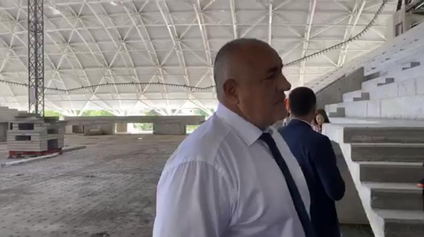 премиерът провери строителството арена бургас