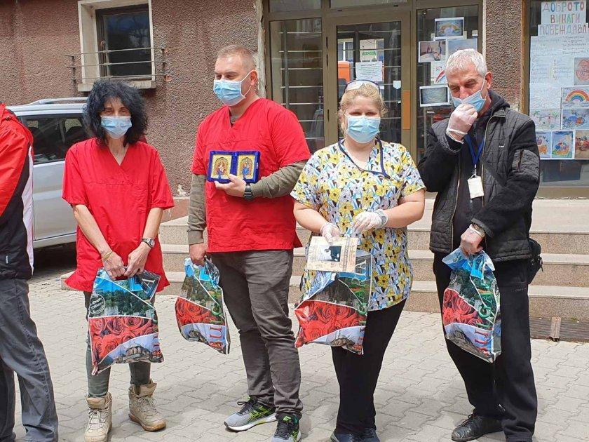 жест юни патриарх неофит направи дарение децата медиците бърза помощ