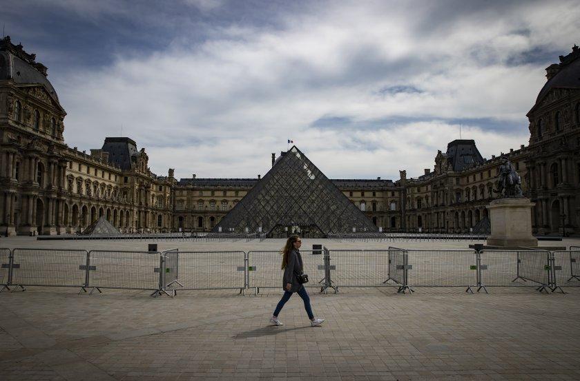 лувърът отваря врати юли версай месец рано