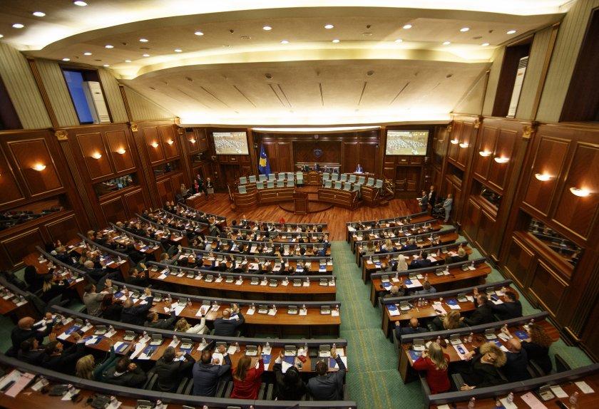 косовският парламент гласува състава новото правителство