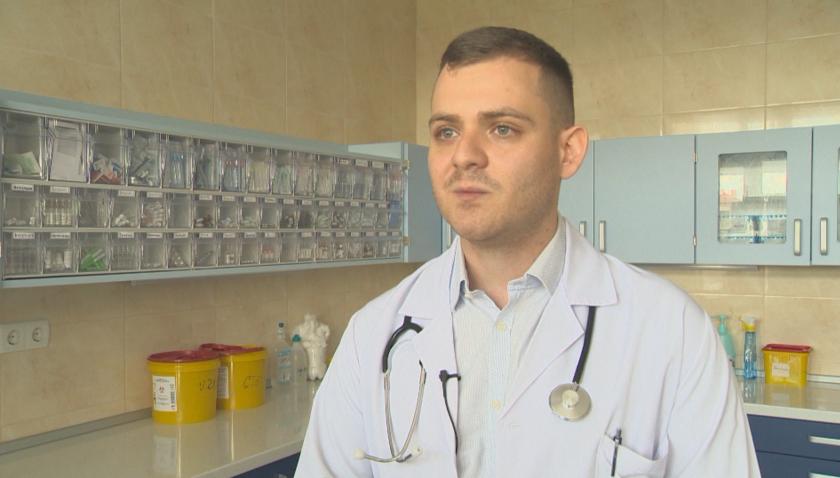 Лекарят, ръководил доброволците във ВМА: Благодаря на всички