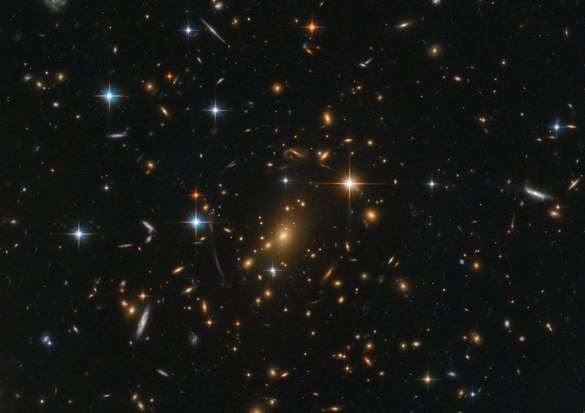На всеки 157 дни – мистериозен сигнал от далечна галактика