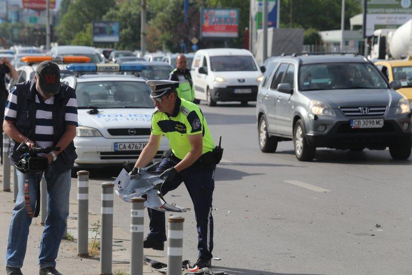 снимки катастрофата цариградско разпилени части мотора ударен автобус