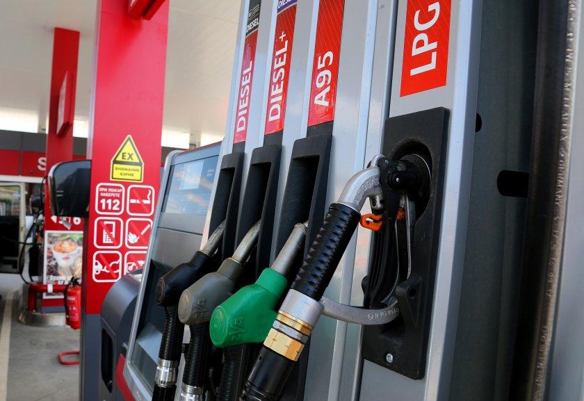 Прогноза: Цените на горивата ще вървят нагоре през лятото