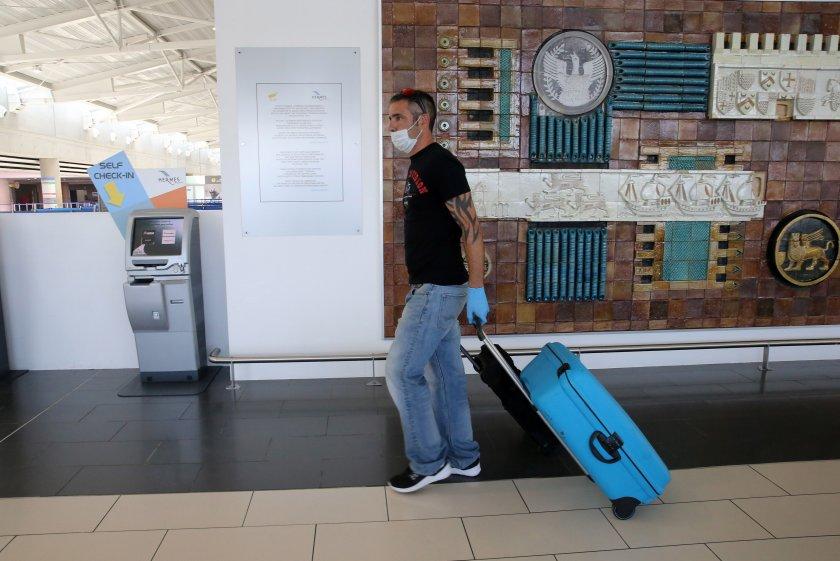 коронавирус открит българин пристигнал полет софия кипър