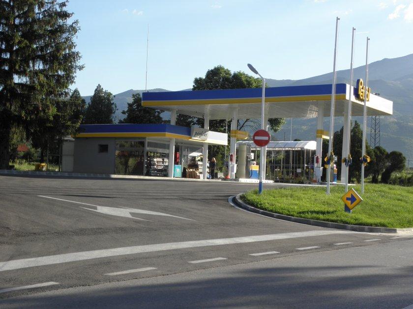 Жена се маскира и обра бензиностанция край Асеновград. Хванаха я за два часа