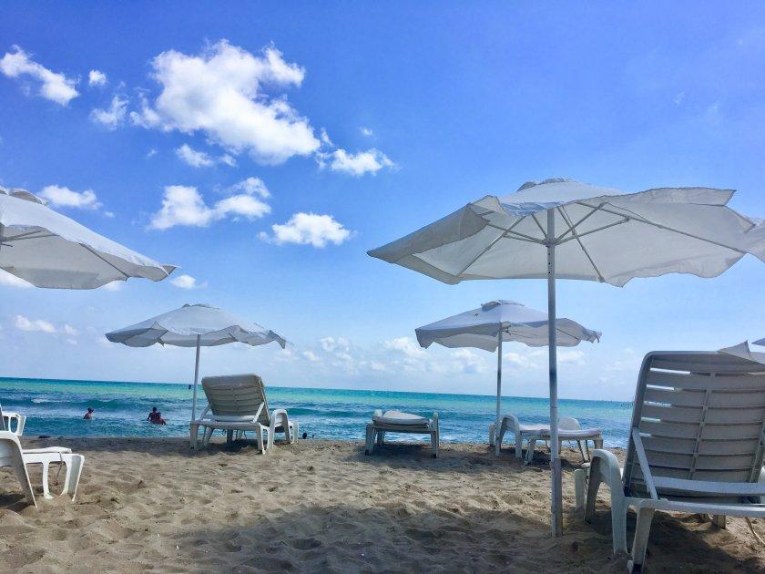 спад чартърите бургас ndash пусти плажове затворени хотели туристите