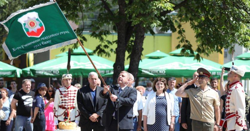 каракачанов години българската армия организирана
