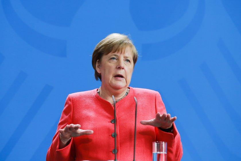 меркел призова европа нова роля без лидерството сащ