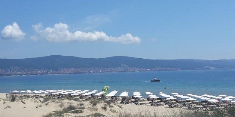 Министър Ангелкова се надява юли и август да има повече туристи у нас