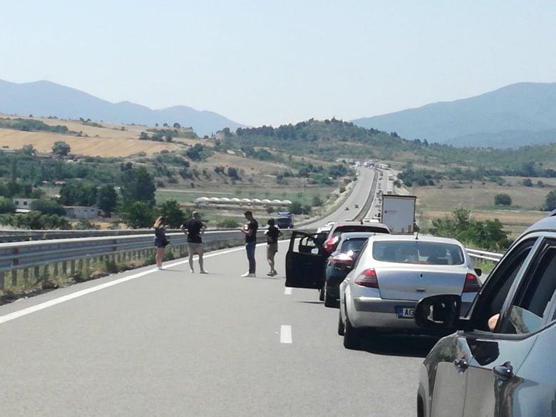 """4 часа на опашка за влизане в Гърция през """"Кулата"""""""