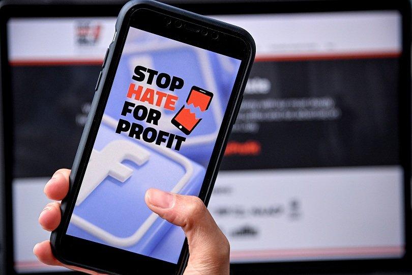 """""""След новините"""": Бизнесът иска промяна от Фейсбук заради рекламите"""