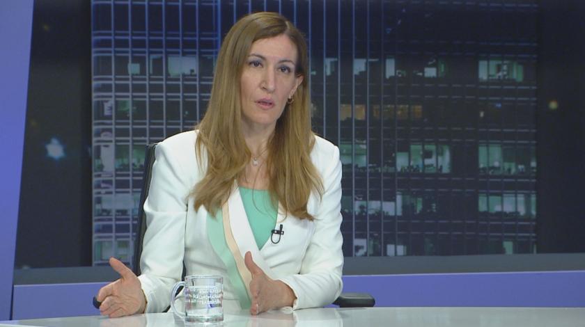 """Министър Ангелкова в """"Панорама"""": Очаква ни тежък сезон, но по-важно е да го имаме"""