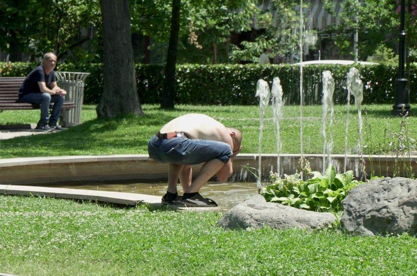 Жега в София: Как се разхлаждат столичани