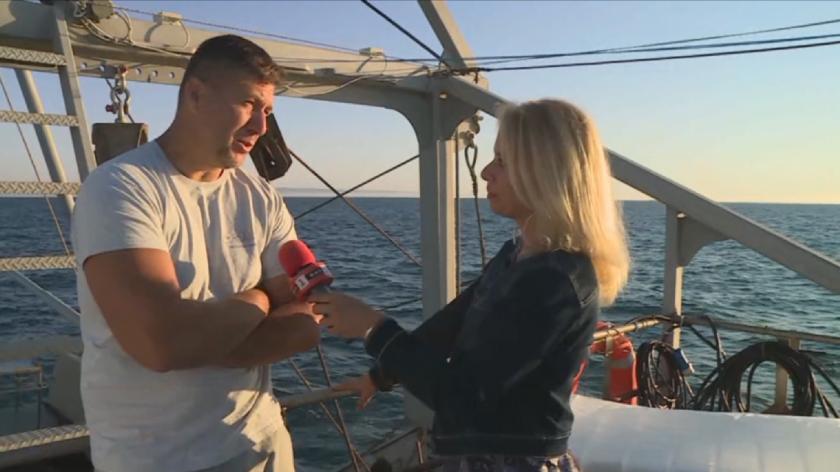 """От варненския кораб """"Лефер"""": Животът и трудът на рибарите отблизо"""