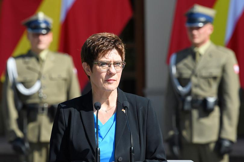военният министър германия пристига българия