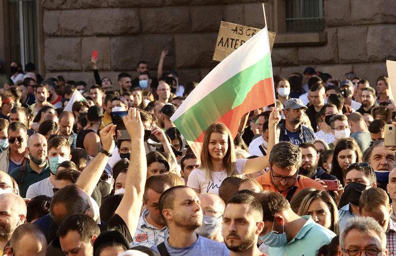 ЕК подкрепя правото на мирен протест