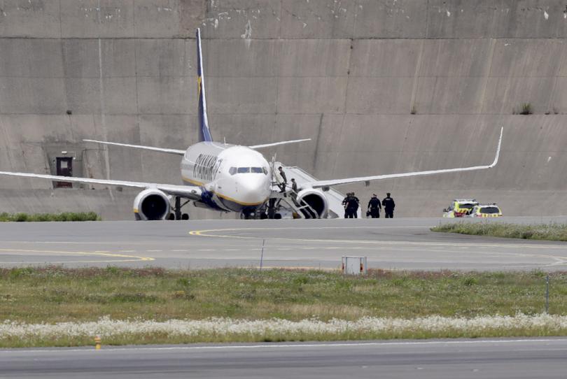Паника в самолет от Лондон до Осло заради бележка със сигнал за бомба