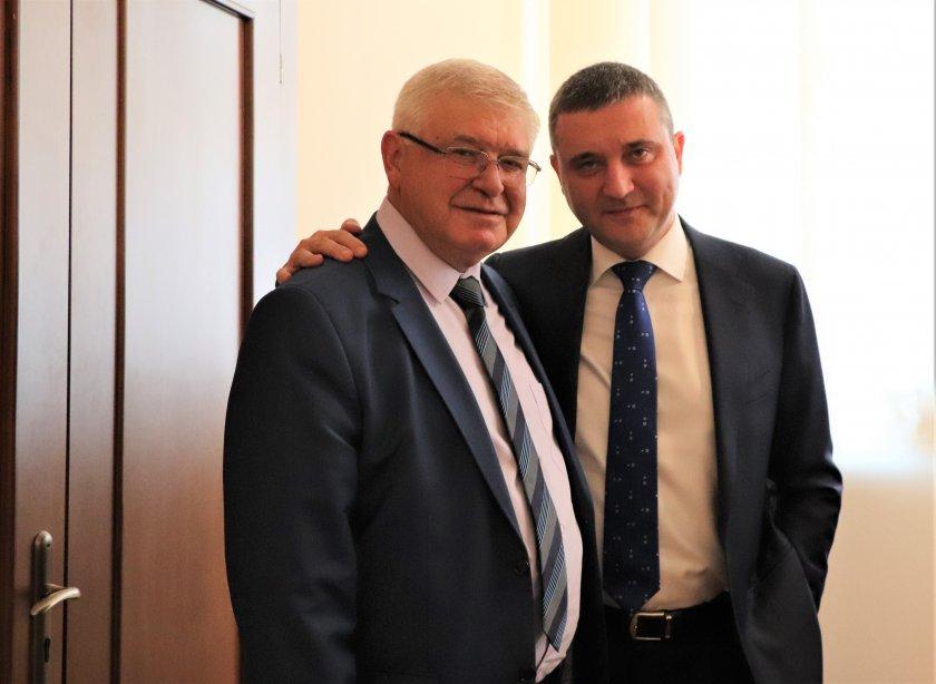Ананиев прие поста министър на финансите от Горанов, запазва екипа