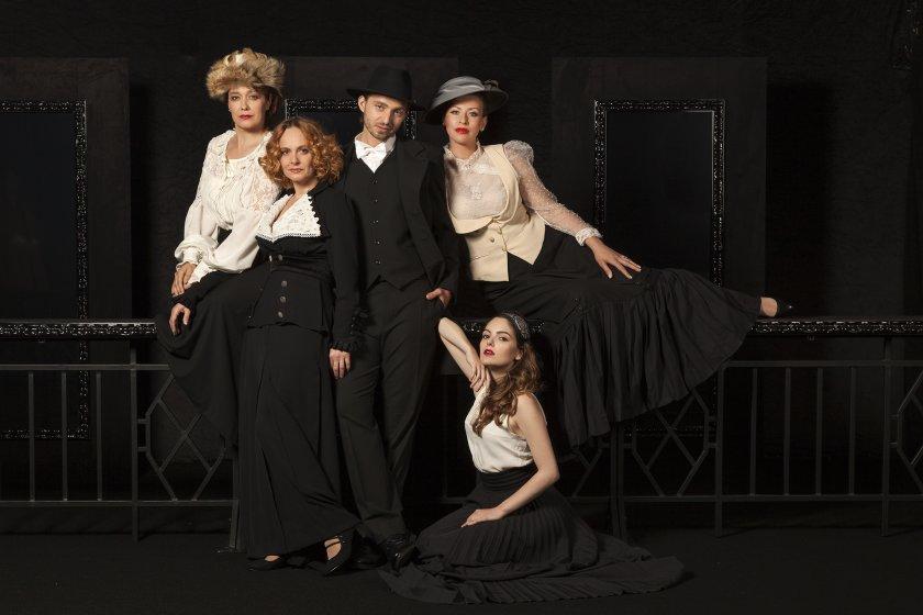 народният театър първи път продължава сезона август