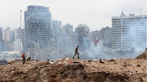 Дъжд от оставки на висши държавници след взрива в Бейрут