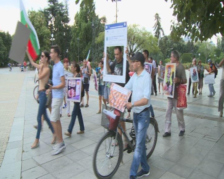 Шествие и хоро в 34-тата протестна вечер в Русе