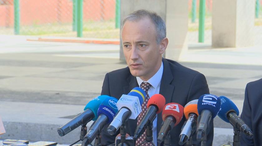 Красимир Вълчев: Учебната година ще стартира присъствено