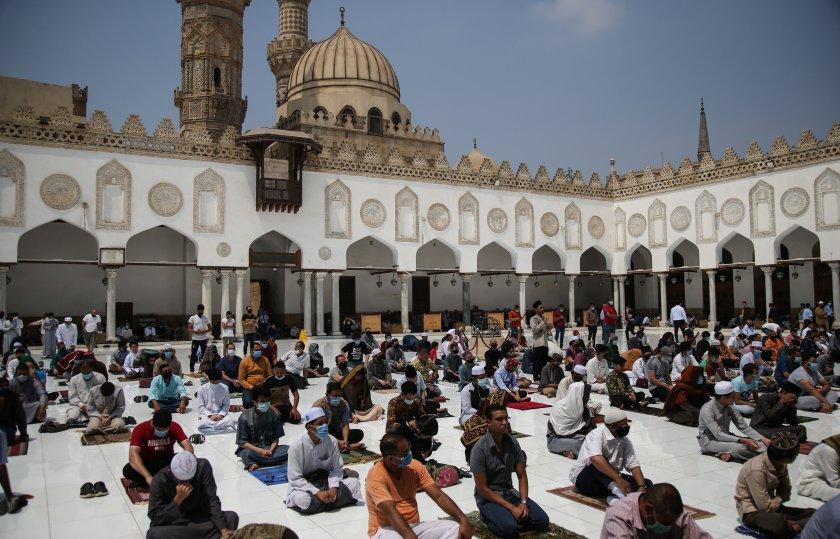 Случаите на COVID-19 в Египет надминаха 100 000