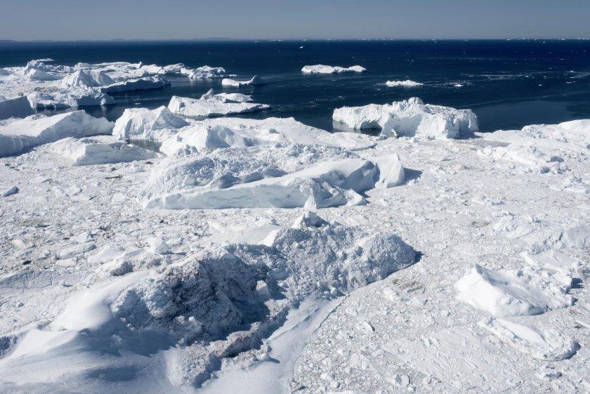Парче по-голямо от Париж се откъсна от най-големия ледник в Гренландия