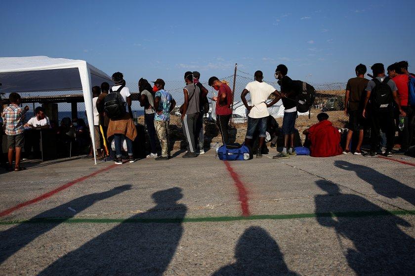 гърция построи постоянен център мигранти остров лесбос