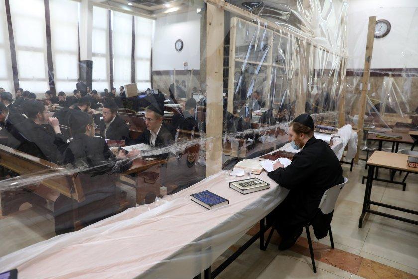 израел въведе пълна карантина еврейските празници