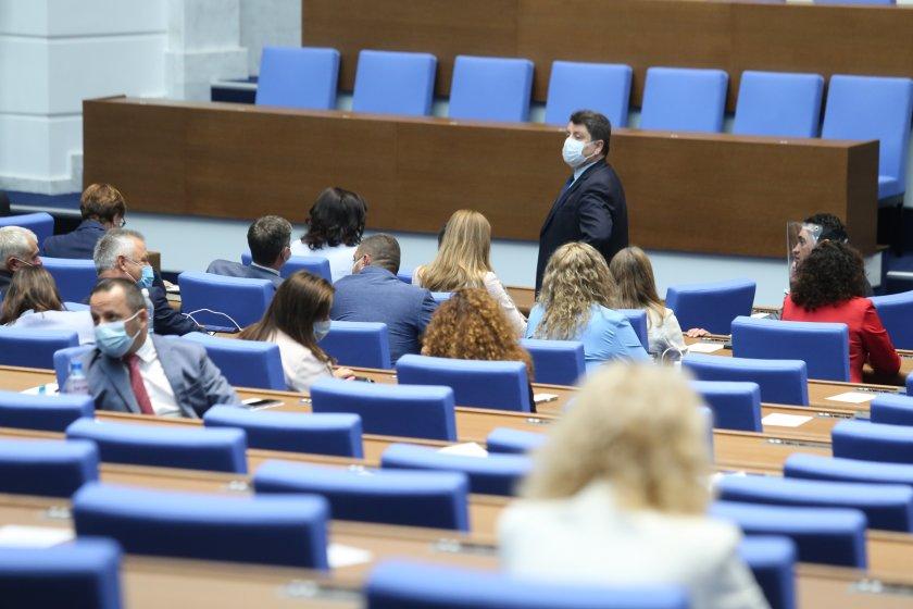 парламентът удължи работното време приемане промените изборния кодекс